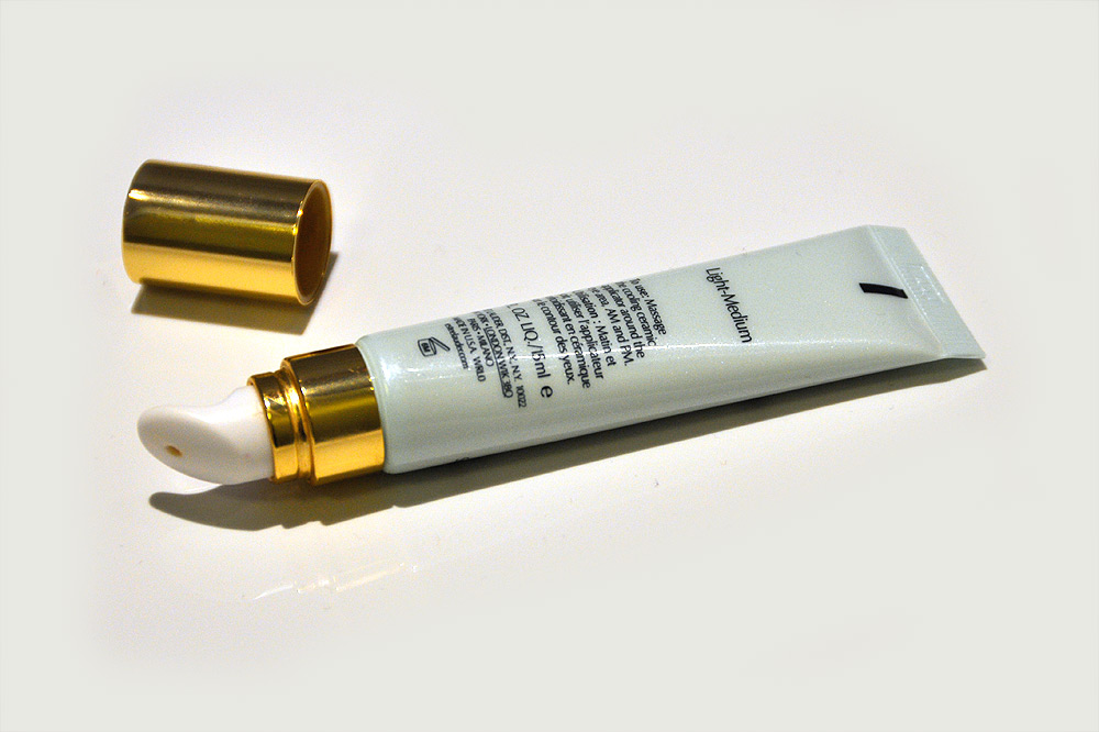 Estee-Lauder-Idealist-Cooling-Eye-Illuminator-4