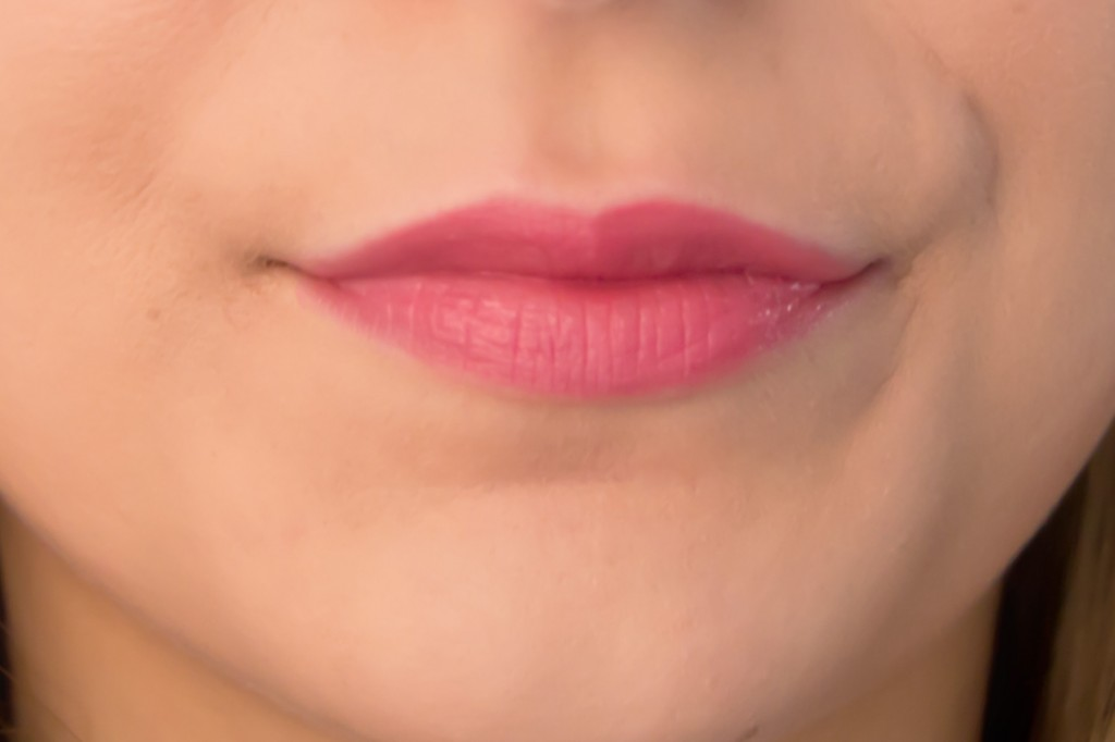 MAC-Huggable-Lip-Colour-Love-Beam-5