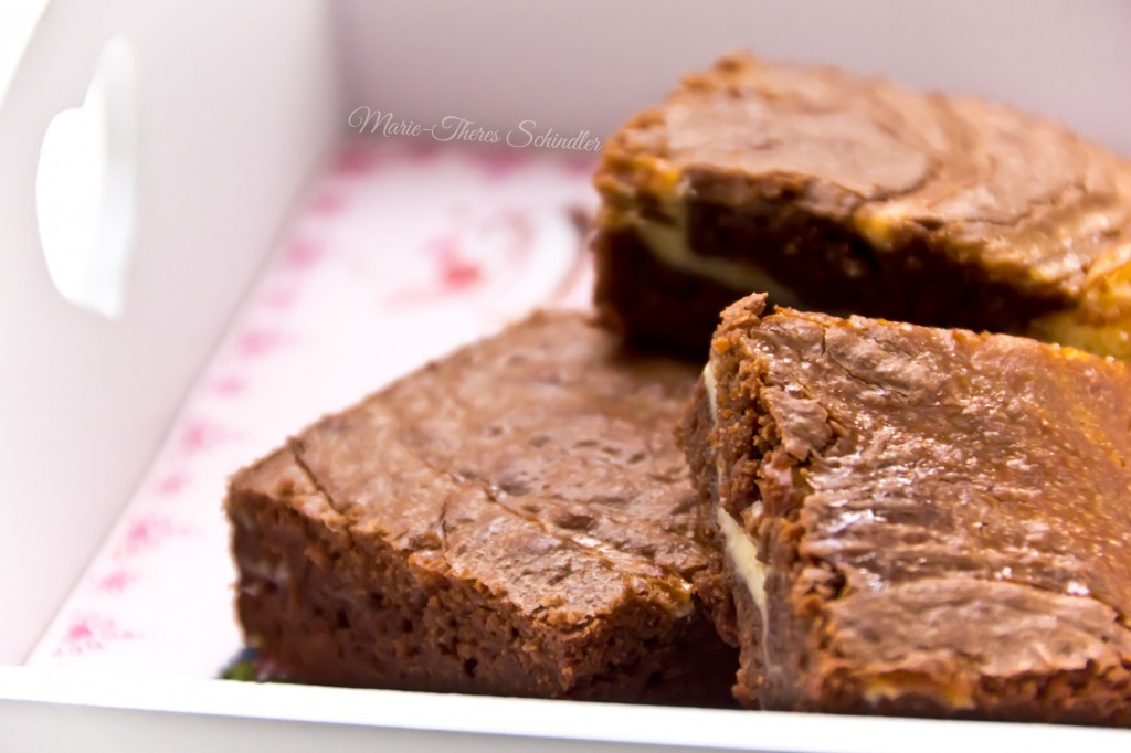 Cheesecake-Brownies-3