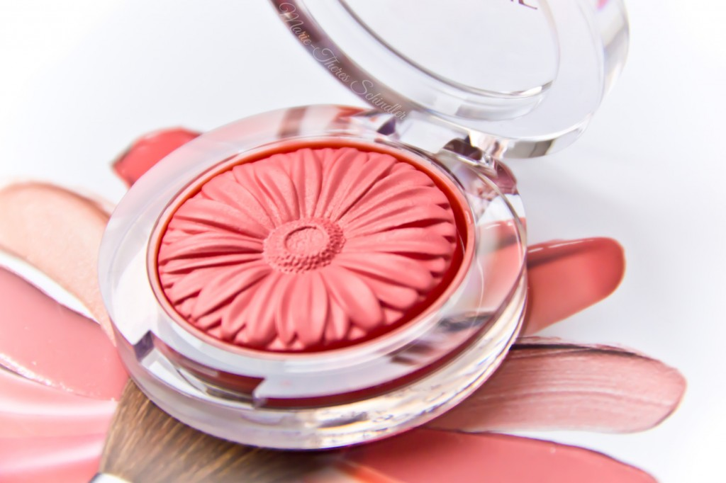 Clinique-Peach-Pop-Blush-01