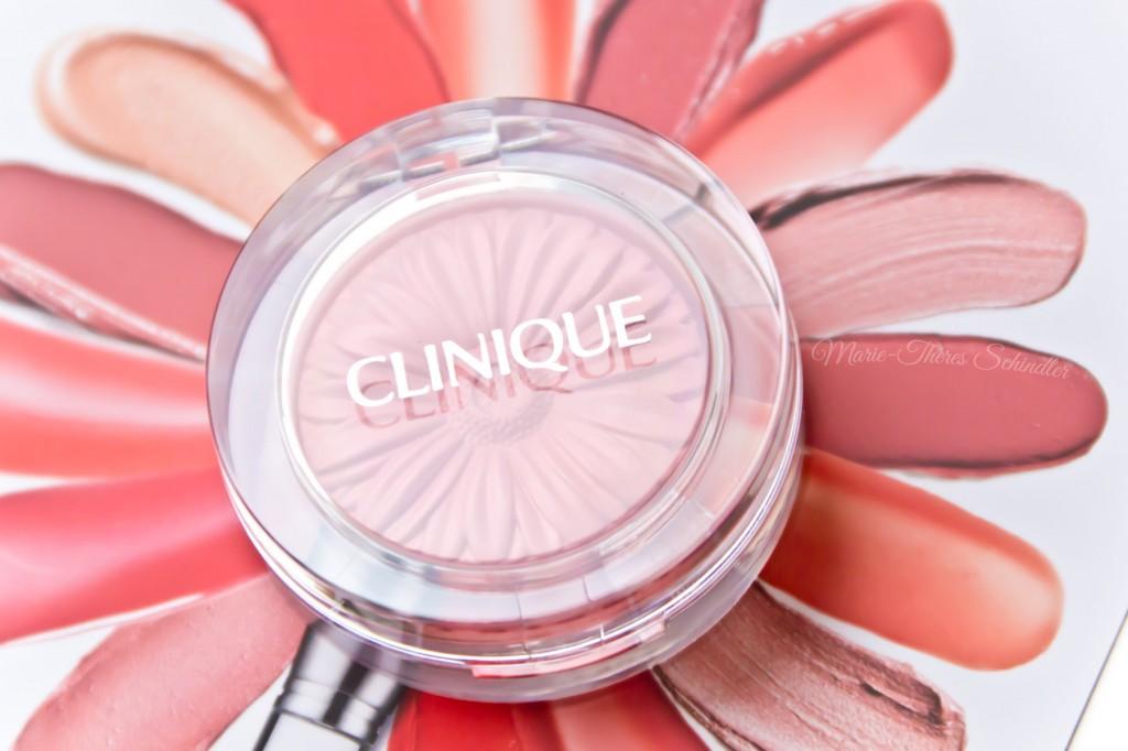 Clinique-Peach-Pop-Blush-03