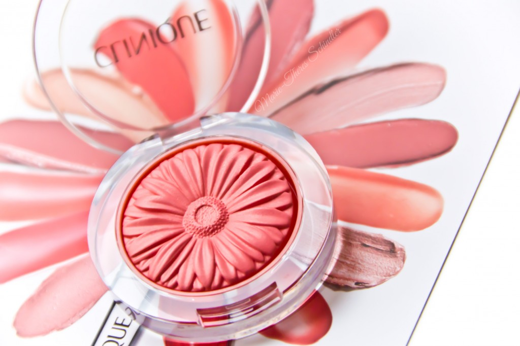 Clinique-Peach-Pop-Blush-04