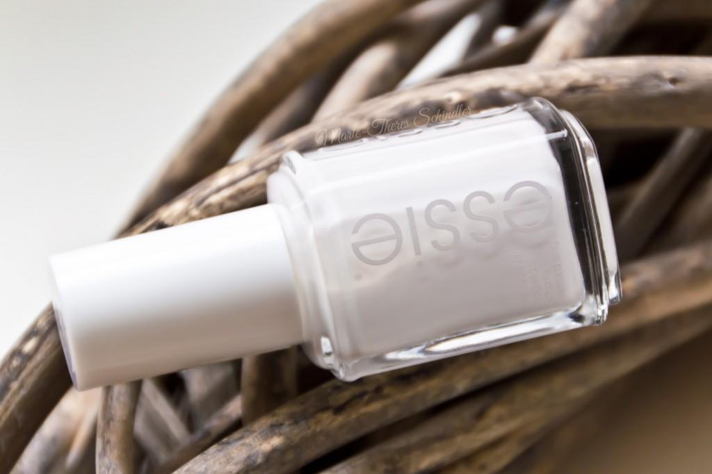 Essie-Blanc-04