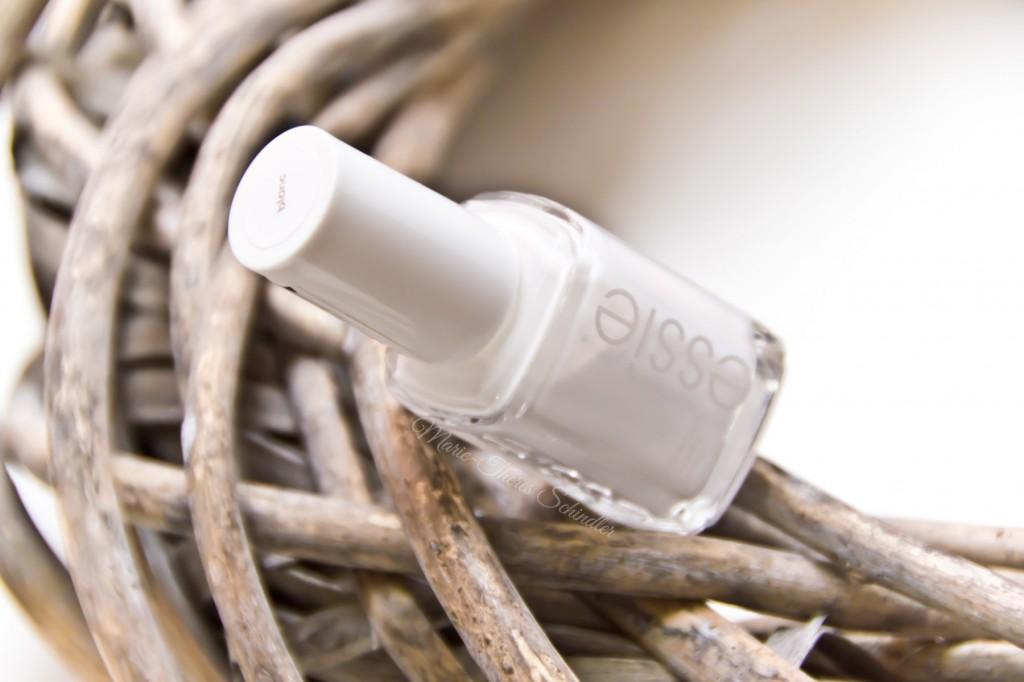 Essie-Blanc-05