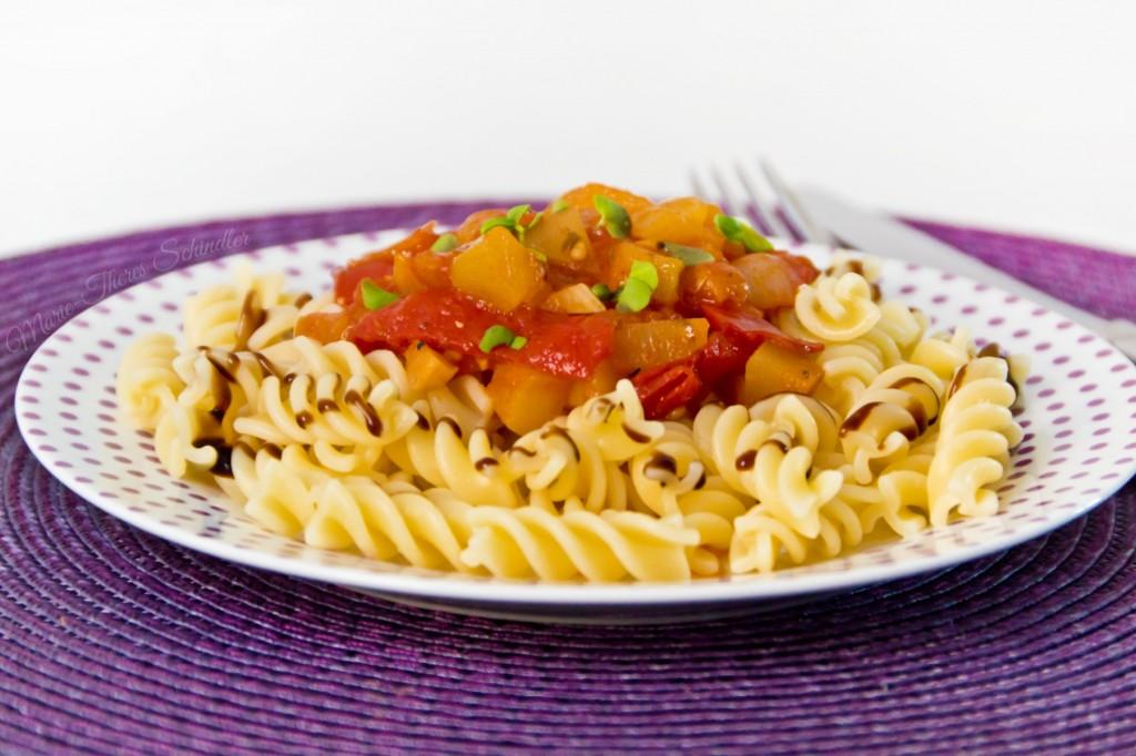 Tomaten-Zucchini-Sauce-03