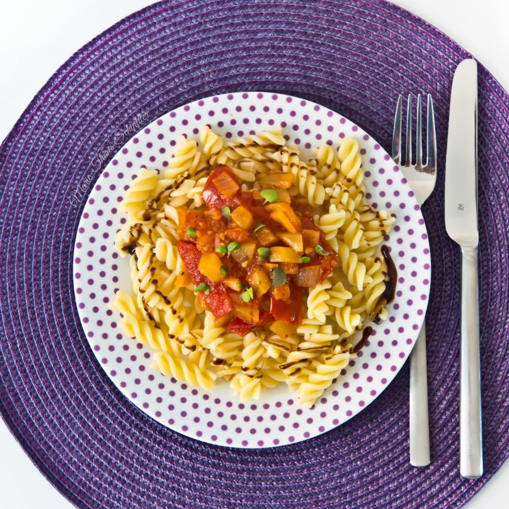 Tomaten-Zucchini-Sauce-04
