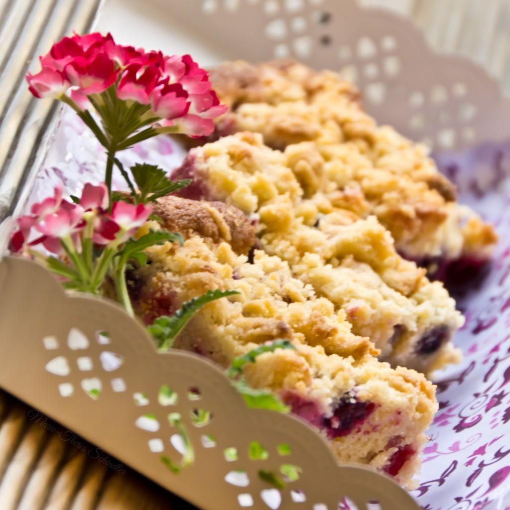 Beeren-Streuselkuchen