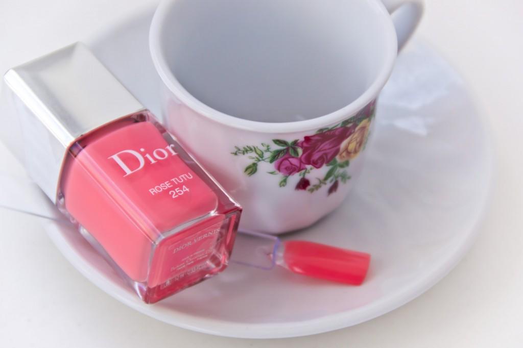 Dior-Fall-Rose-Tutu-03