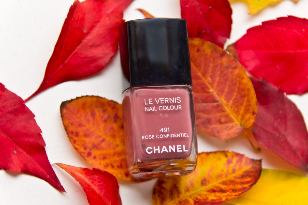 Herbstnagellacke-chanel-rose confidentiel