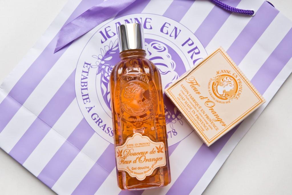 Jeanne-en-Provence-Fleur-d'Oranger-01