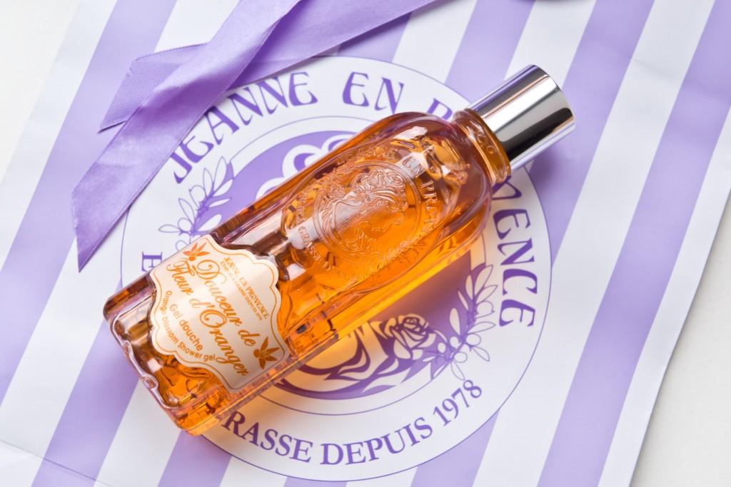 Jeanne-en-Provence-Fleur-d'Oranger-02