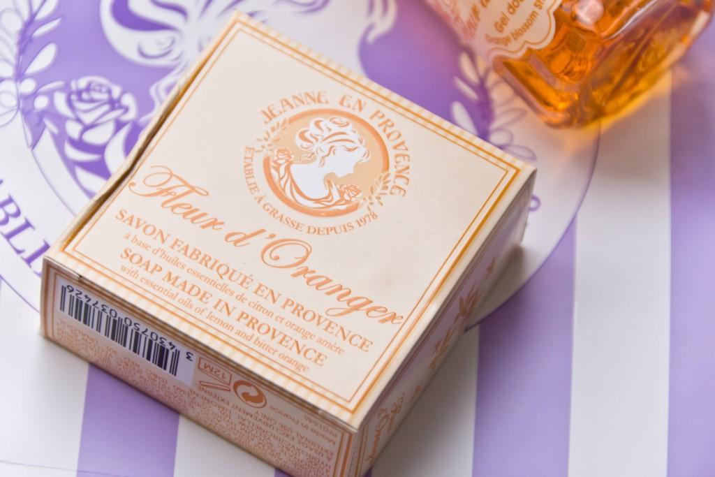 Jeanne-en-Provence-Fleur-d'Oranger-07