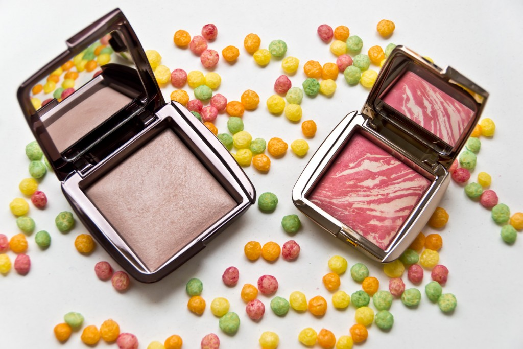Hourglass-Ambient-Powder-Blush-02