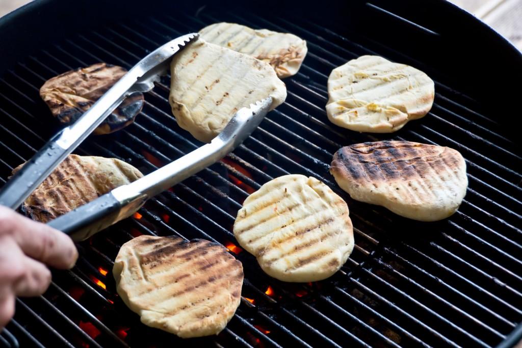 Pita-Brot-selbermachen-grillen-03