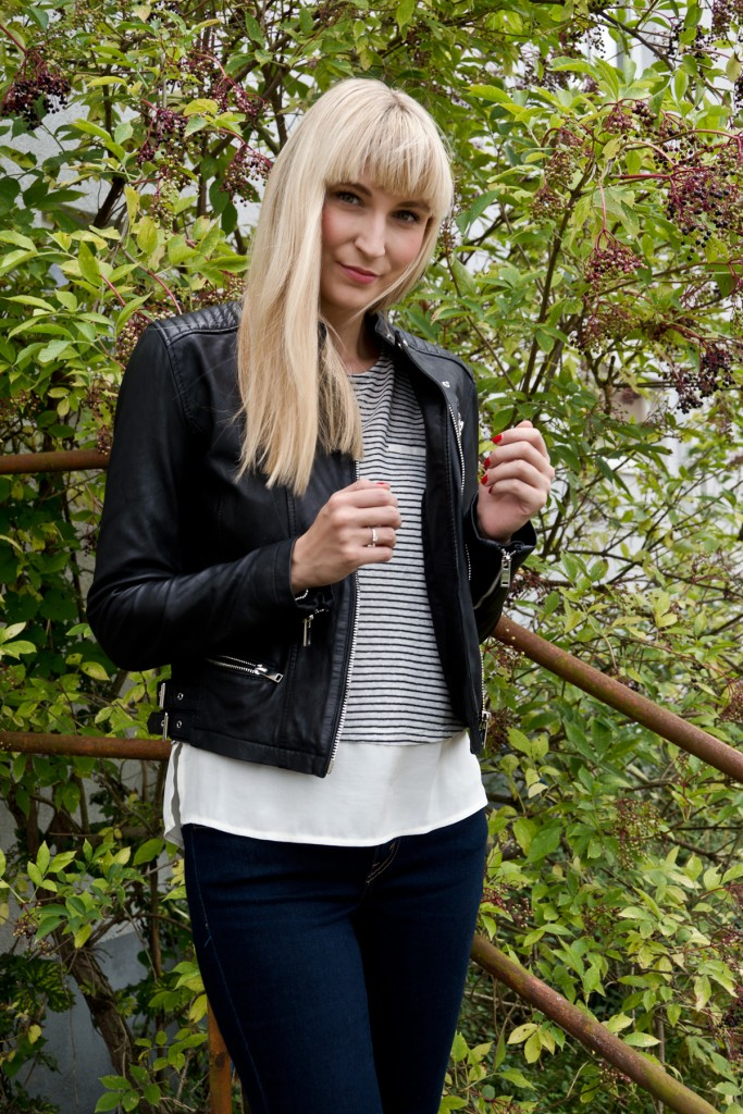 Stripes-Leather-Herbstoutfit-05
