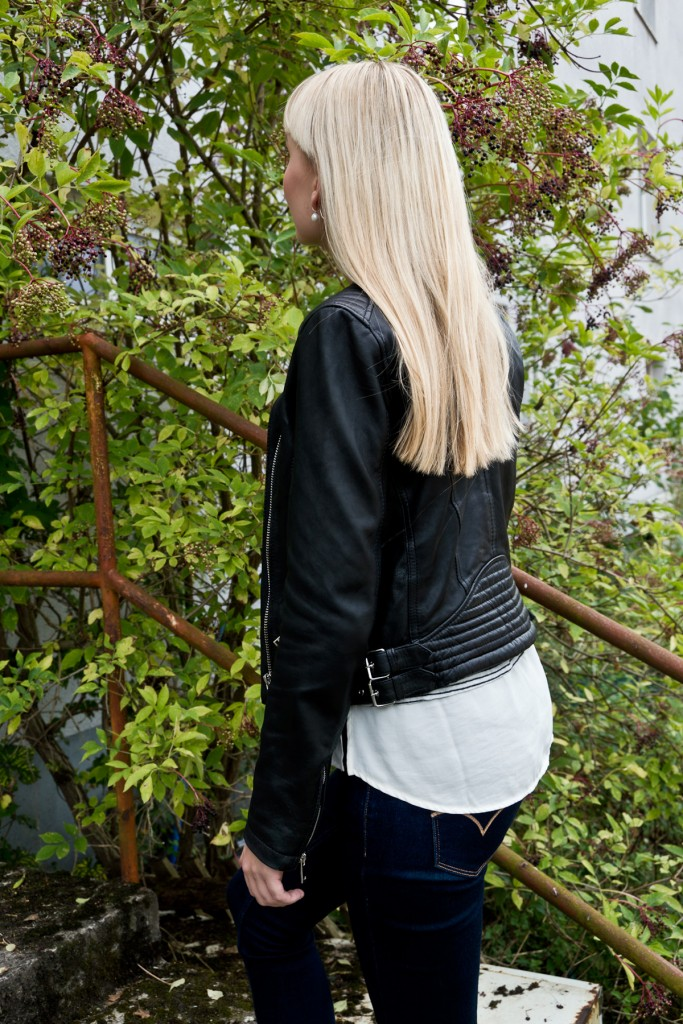 Stripes-Leather-Herbstoutfit-08