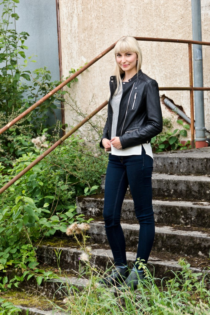 Stripes-Leather-Herbstoutfit-10