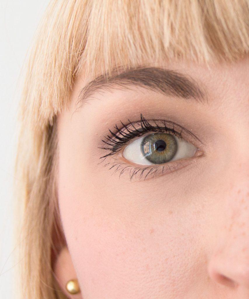Augenringe-abdecken-07