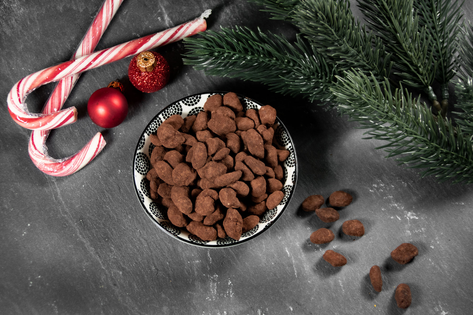 Weihnachtliche Schoko Zimt Erdnüsse